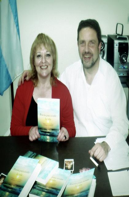 Presentación del libro POESIA PARA SENTIR LA VIDA, con Silvia Paglioni, 25-9-2010