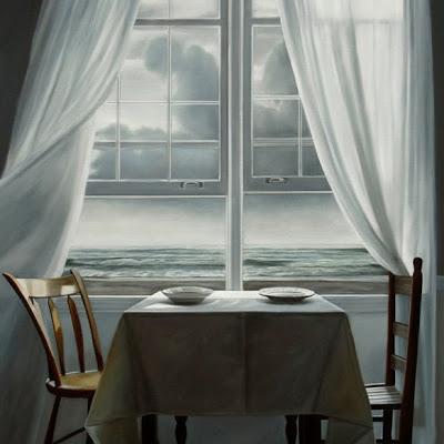 Mesa en ventana al rio
