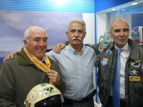 Rafael Molini (Armada) Pablo Carballo (Fuerza Aérea) Juan José Gomez Centurión (Ejército), héroes de Malvinas
